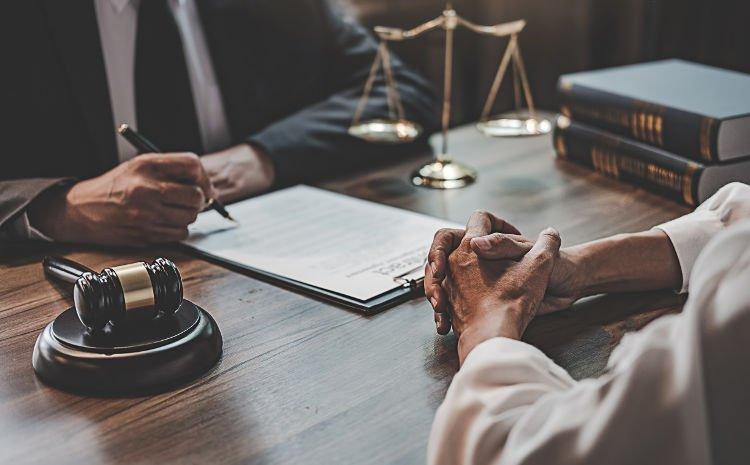 Rôles de l'avocat : conseil, rédaction et défense